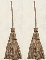 ***PRE-ORDER***  Advantus - Tim Holtz Idea-ology - Broomsticks
