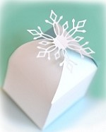 Memory Box - Die - Snowflake Favor Box