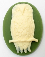 Frantic Stamper - Resin Cameos - Large Ivory Owl on Olive Oval - Package of 3