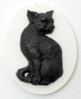 Frantic Stamper - Resin Cameos - Black Cat on White Oval - Package of 5