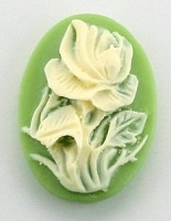 Frantic Stamper - Resin Cameos - Ivory Rose on Green Oval - Package of 5