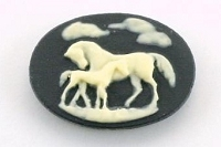Frantic Stamper - Resin Cameos - Ivory Horses on Black Oval - Package of 5