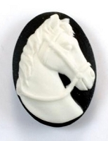 Frantic Stamper - Resin Cameos - White Horse Head on Black Oval - Package of 6