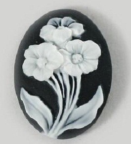Frantic Stamper - Resin Cameos - White Flowers on Black Oval - Package of 5