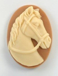 Frantic Stamper - Resin Cameos - Ivory Horse Head on Tan Oval - Package of 5