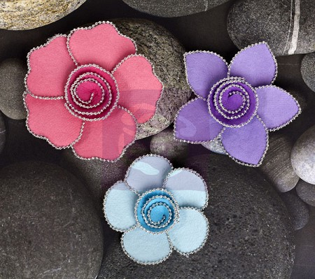 Prima - Paper Flowers - Queen Mary - Prism